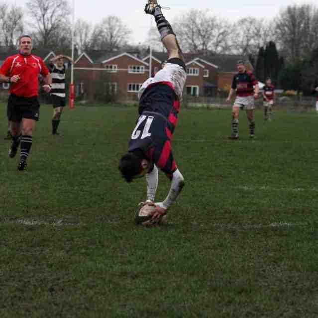 Zac Crabb acrobatically scoring MVs final try