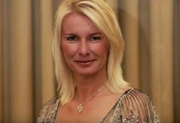 Tennis legend Jana Novotna dies aged 49