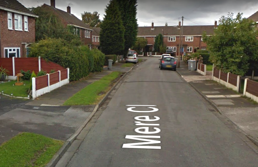 Man in his 30's found with stab wounds in Sale